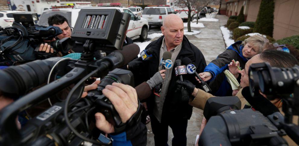 PHOTO: Lyndhurst, N.J., Police Chief James B. OConnor talks to the media outside a Quality Inn near the site of NFL Super Bowl XLVIII, Jan. 31, 2014, in Lyndhurst, N.J.