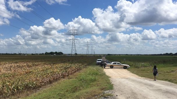http://a.abcnews.com/images/US/AP_texas_balloon_crash_police_jt_160730_16x9_608.jpg