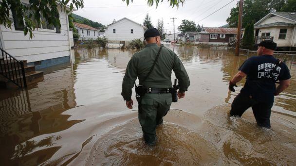http://a.abcnews.com/images/US/AP_west_virginia_flood_3_jt_160626_16x9_608.jpg