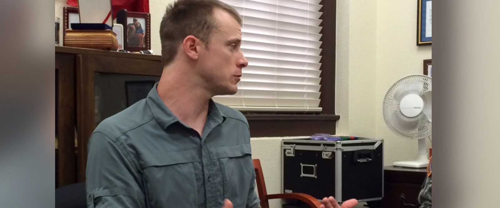 PHOTO: Bowe Bergdahl, seen Aug. 5, 2014 at Ft. Sam Houston, prepares for an Army investigation.