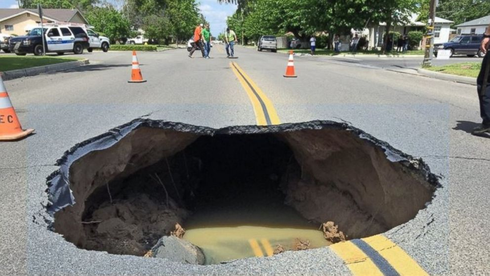 Giant Sinkhole Collapses in Central California