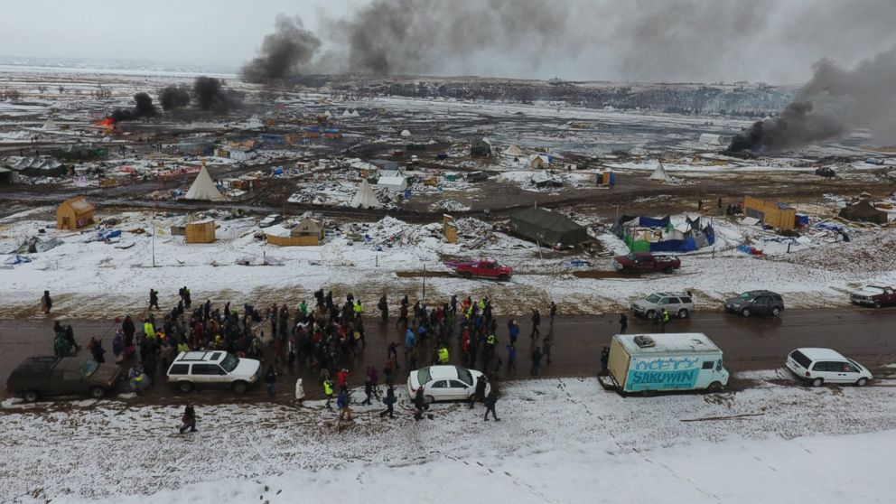 http://a.abcnews.com/images/US/EPA-dakota-pipeline-01-as-170223_16x9_992.jpg