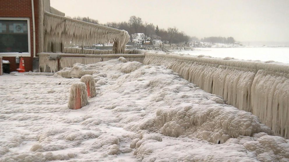 PHOTO: Ice covers the lakefront in Hamburg, N.Y., along Lake Erie, Dec. 28, 2017.