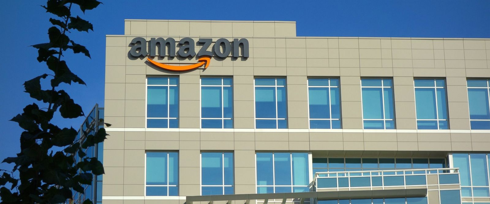 PHOTO: Amazon corporate office building in Sunnyvale, California, Nov. 8, 2014.