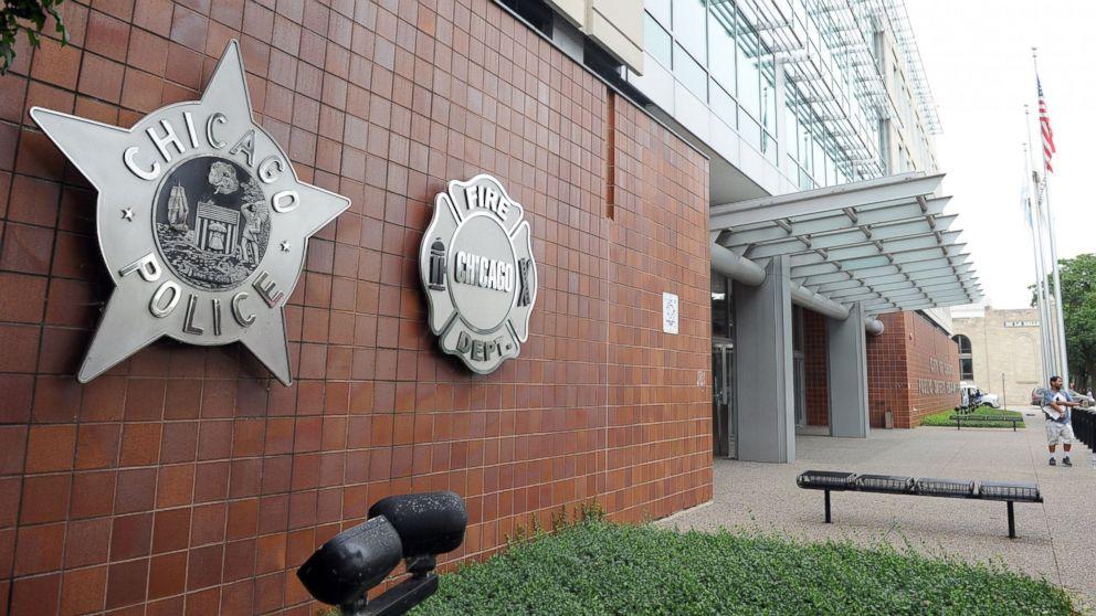 http://a.abcnews.com/images/US/GTY-Chicago-Police-Headquarters-MEM-170112_16x9_992.jpg