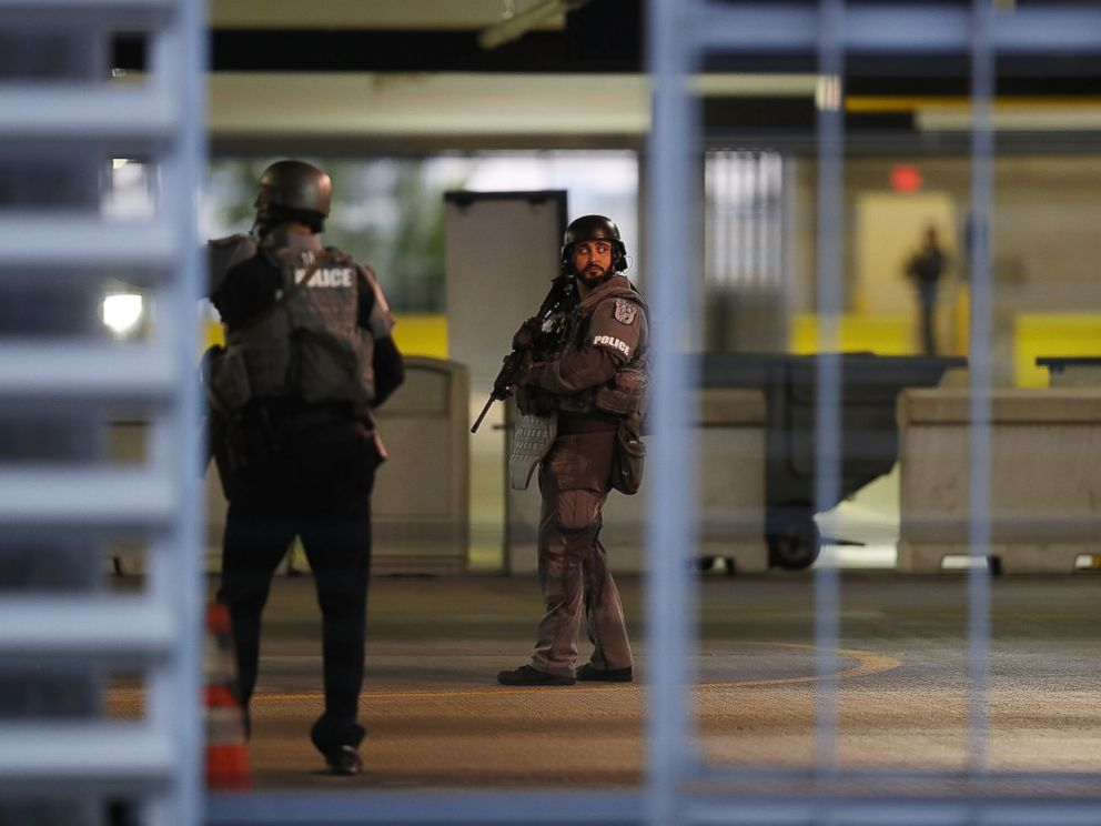 PHOTO: First responders secure the area outside the Fort Lauderdale-Hollywood International airport after a shooting took place near the baggage claim, on Jan. 6, 2017, in Fort Lauderdale, Florida.