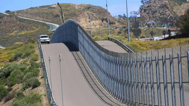 PHOTO: Border Patrol agents patrol the US-Mexico border prior to an Easter mass at the fence separating the two countries at Friendship Park in San Ysidro, Calif., on April 16, 2017.