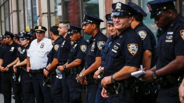 PHOTO: NYPD Officers on the street, Sept. 18, 2016, in New York.