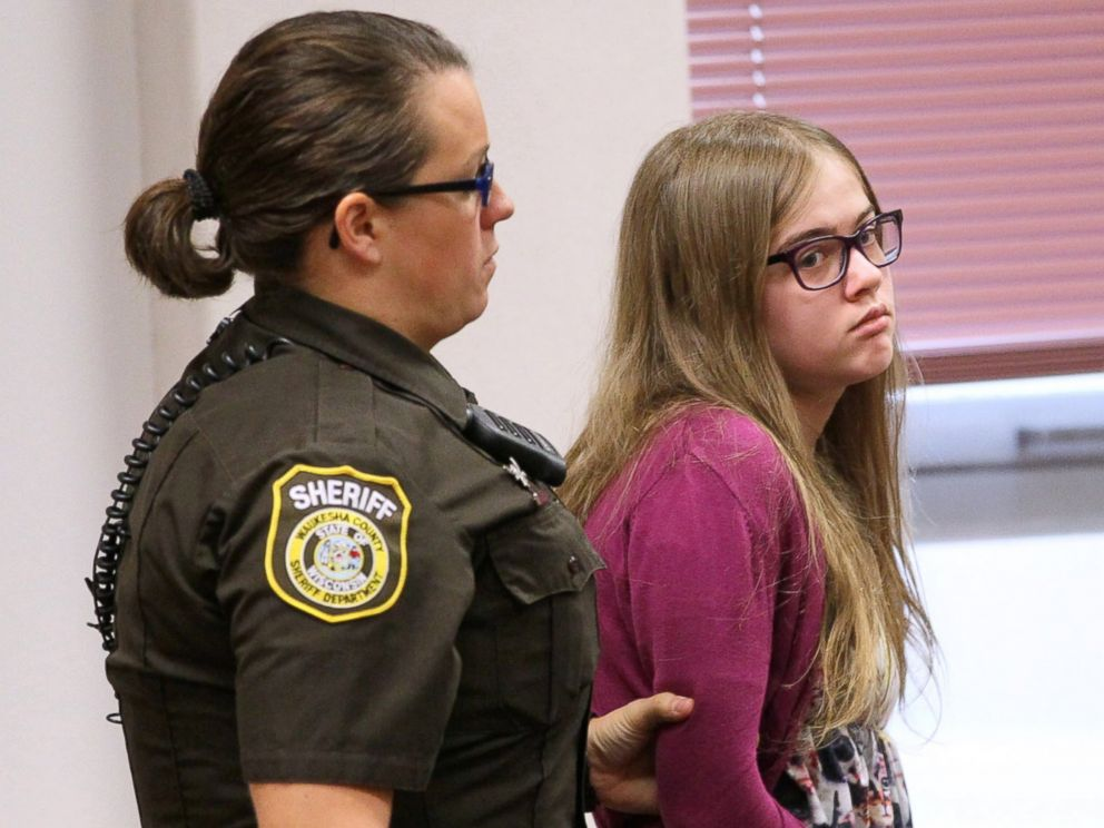 PHOTO: Morgan Geyser is brought into court by a sheriffs deputy on Aug. 21, 2015 during the arraignment of the Slenderman stabbing trial in Waukesha County Court in Waukesha, Wisconsin.