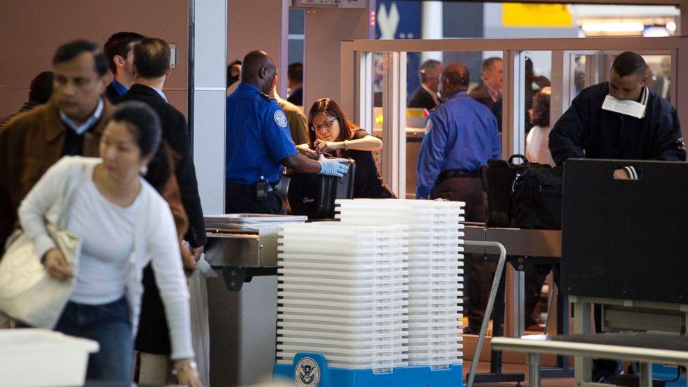 http://a.abcnews.com/images/US/GTY-TSA-JFK-jrl-170220_16x9_992.jpg