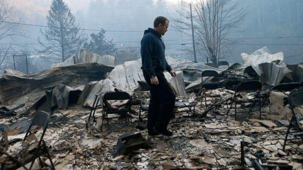 http://a.abcnews.com/images/US/GTY-Tenn-Wildfires1-MEM-161202_16x9_608.jpg