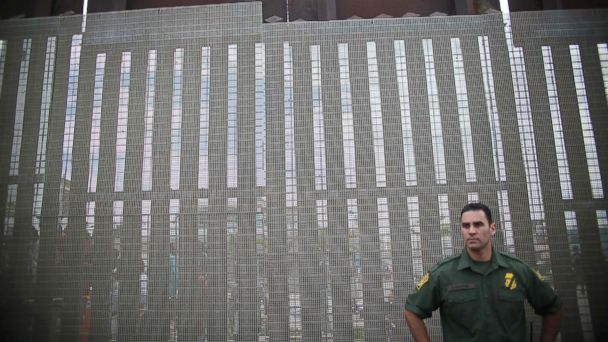 PHOTO: A US Customs and Border Agent standing a post along the United States-Mexico Border at Friendship Park in San Ysidro, Calif., November 19, 2016.