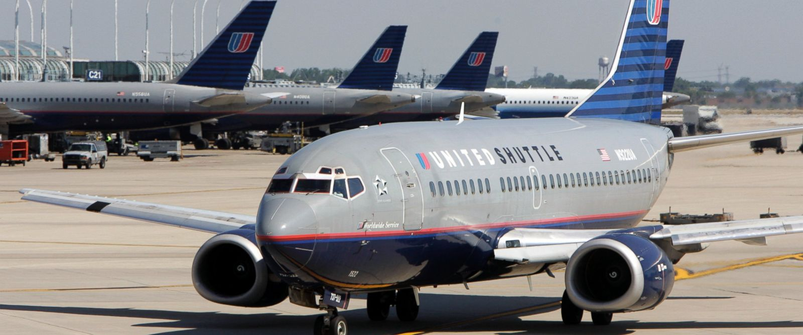 PHOTO: United Airlines planes are seen at Chicagos OHare International Airport.