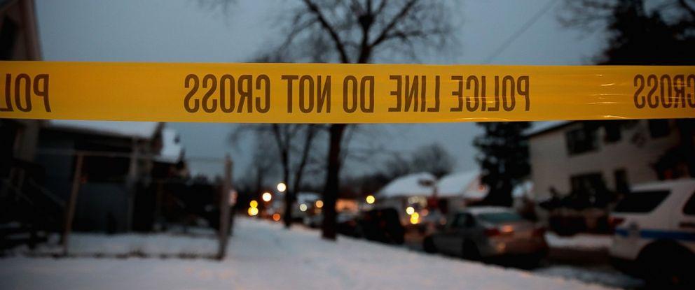 PHOTO: Police investigate the scene of a quadruple homicide on the citys Southside, Dec. 17, 2016 in Chicago, Illinois.