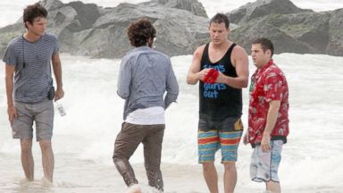 "PHOTO: Channing Tatum and Jonah Hill are seen filming ""22 Jump Street"" at Condado Beach,  Dec. 11, 2013 in San Juan, Puerto Rico."
