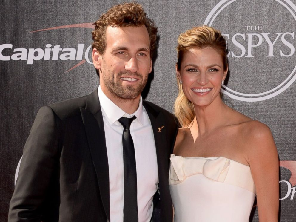 PHOTO: Jarret Stoll with girlfriend sports analyst Erin Andrews attends The 2014 ESPYS at Nokia Theatre L.A. Live, July 16, 2014, in Los Angeles.