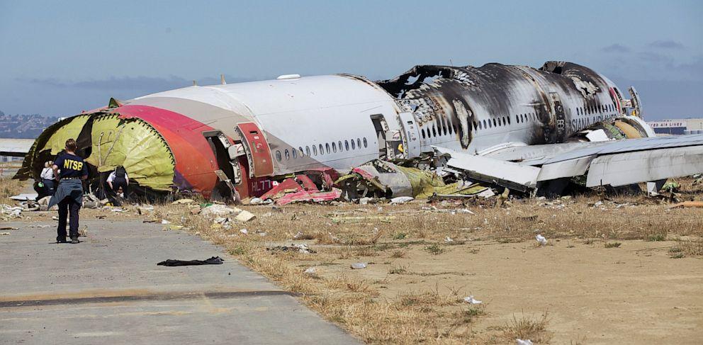 PHOTO: asiana airlines, crash, flight 214