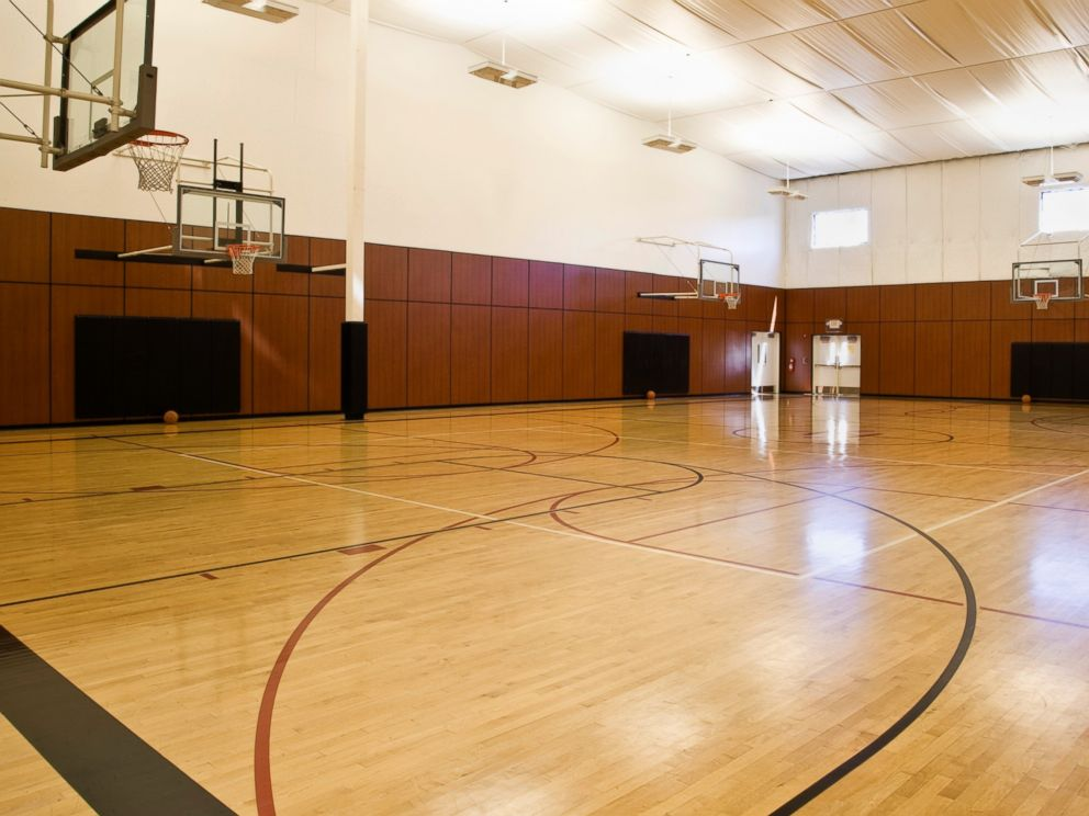 PHOTO: Indoor Basketball Court