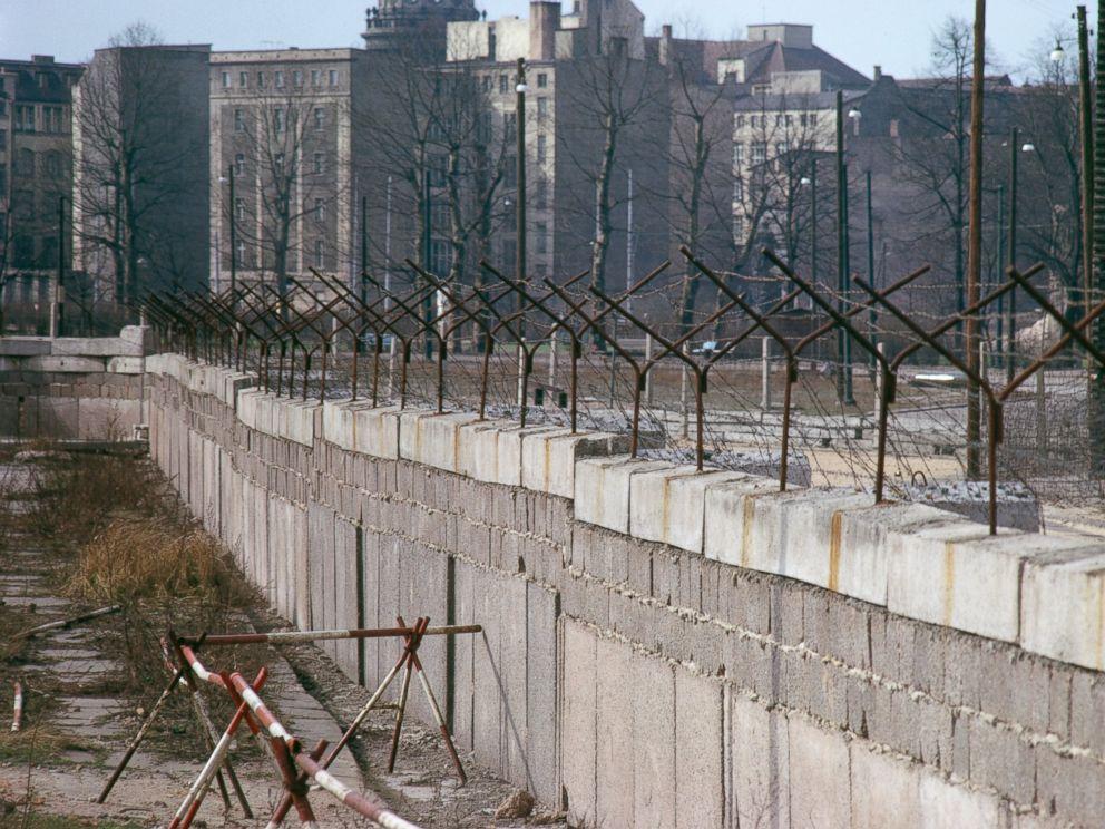 PHOTO: The Berlin Wall in Berlin, Germany, circa 1965.