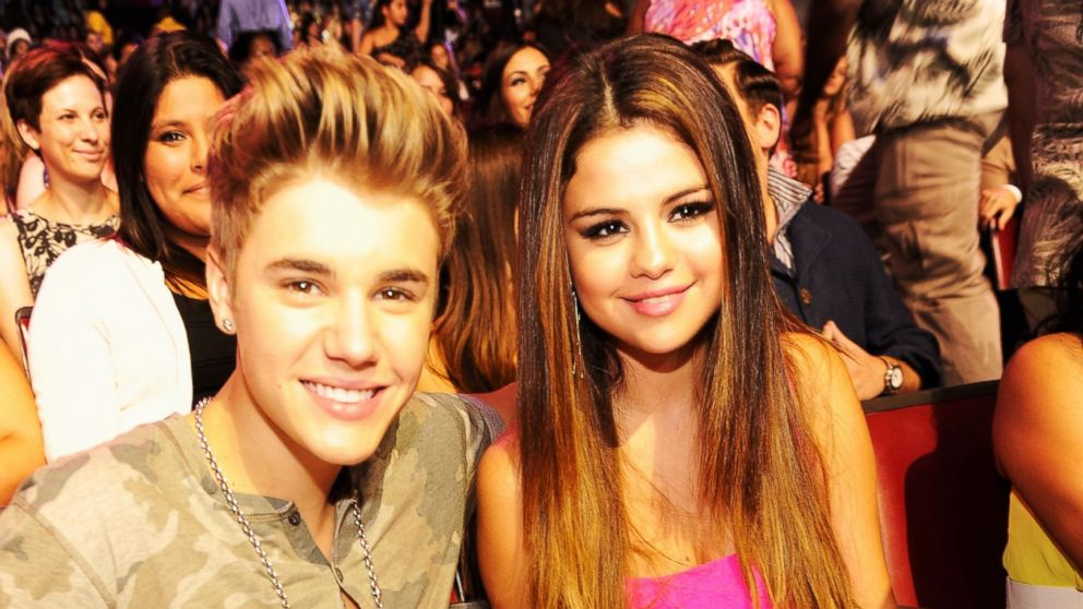 PHOTO: Justin Bieber and Selena Gomez attend the 2012 Teen Choice Awards, July 22, 2012, in Universal City, Ca