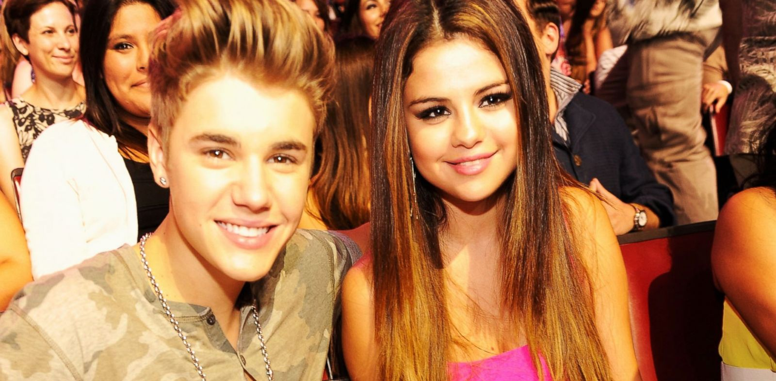 PHOTO: Justin Bieber and Selena Gomez attend the 2012 Teen Choice Awards, July 22, 2012, in Universal City, Calif.