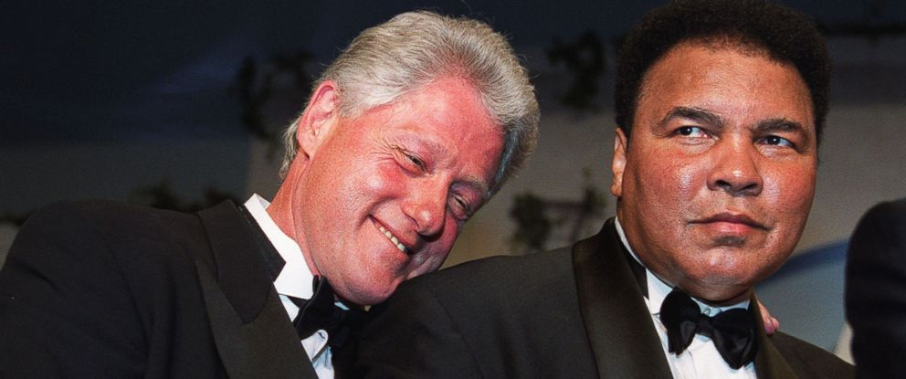 PHOTO: President Bill Clinton leans on former world boxing heavyweight champion Muhammad Ali (R) at the National Italian American Foundation (NIAF) 25th Anniversary Awards Gala Dinner, Oct. 28, 2000.
