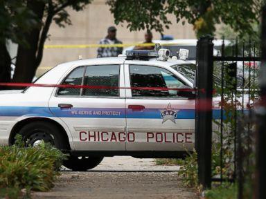 2 Dead, 22 Shot in 12 Hours in Chicago
