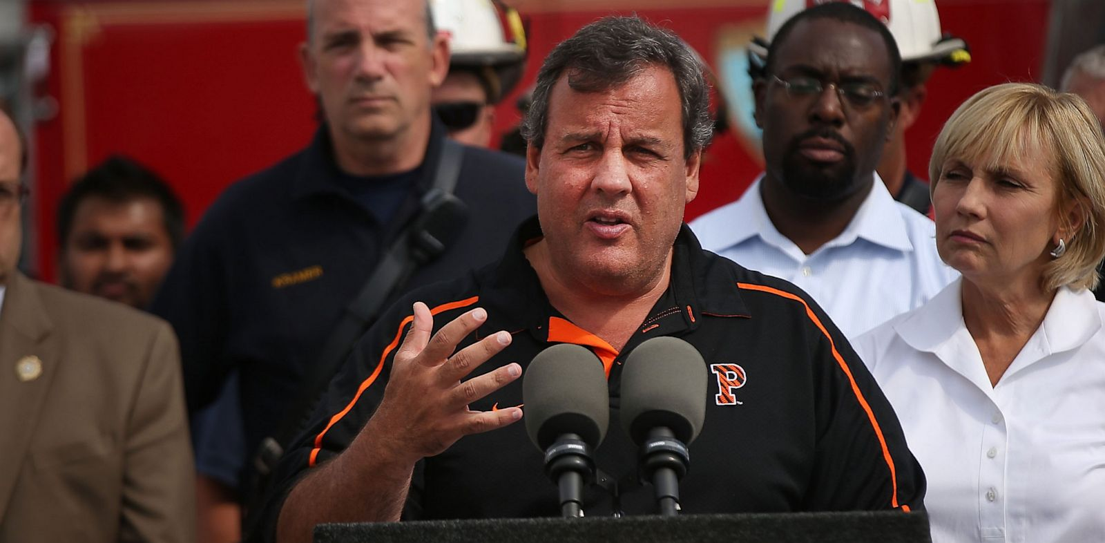 PHOTO: New Jersey Gov. Chris Christie speaks at Jersey shore boardwalk