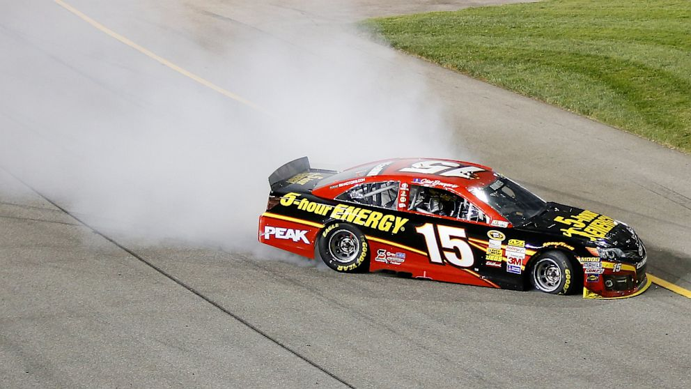 PHOTO: NASCAR Driver Clint Bowyer Spins Out