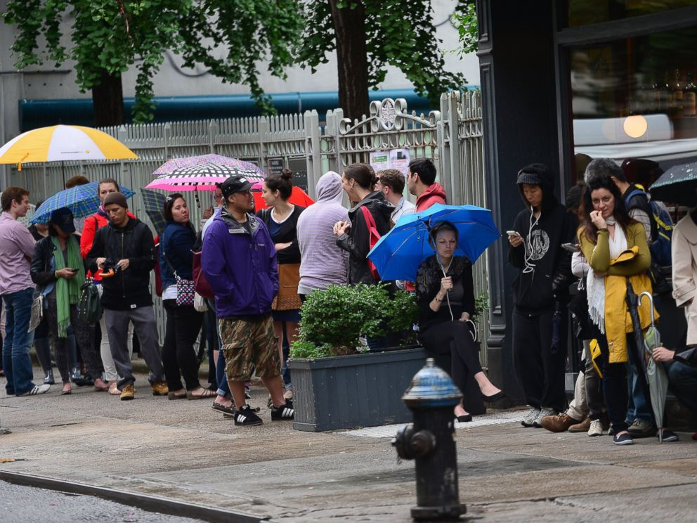 PHOTO: Customers wait in line to buy Cronuts on June 14, 2013 in New York City.