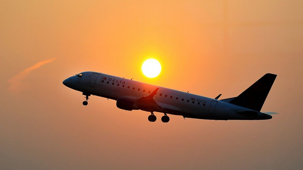 PHOTO: Delta airlines aircraft takes off from airport