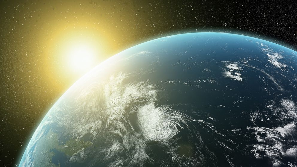 PHOTO: A quarter of Americans think the sun revolves around the earth.