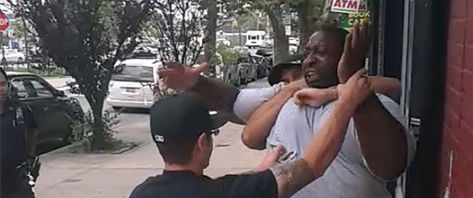 PHOTO: A 400- pound asthmatic Eric Garner died while being arrested by police in Staten Island.