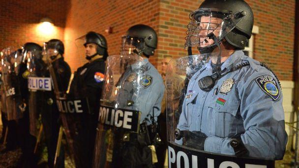 http://a.abcnews.com/images/US/GTY_ferguson_police_ll_141121_16x9_608.jpg