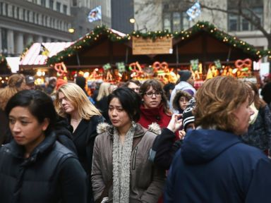 PHOTO: Visitors shop at Christkindlmarket Chicago, Dec. 4, 2013.