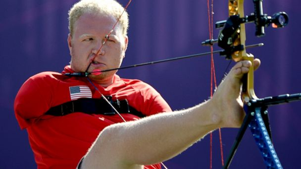 GTY matt stutzman jef 140331 16x9 608 Armless Archer Strikes a Perfect Score