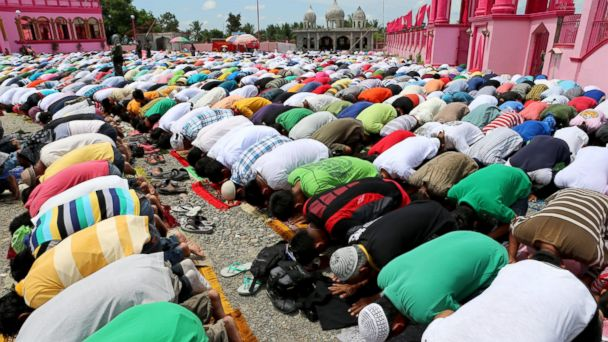 GTY ramadan jef 140627 16x9 608 5 Things Everyone Should Know About Ramadan