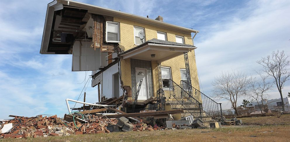 PHOTO: Superstorm Sandy devestation