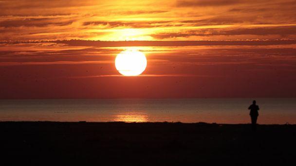 GTY sunset sk 140306 16x9 608 Map Sheds New Light on Daylight Saving Time