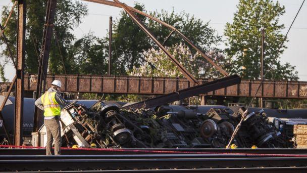 http://a.abcnews.com/images/US/GTY_train_crash3_ml_150513_16x9_608.jpg
