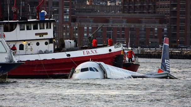 PHOTO: US Airbus crashes into Hudson River