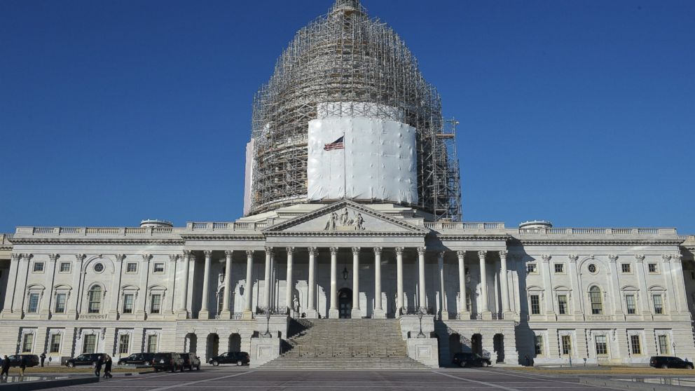 Capitol Building Scaffolding : Man fatally shoots himself near u s capitol lockdown