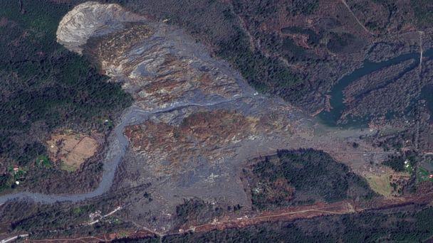 GTY washington landslide after jtm 140401 16x9 608 Satellite Photo Shows Dramatic Scope of Devastating Mudslide