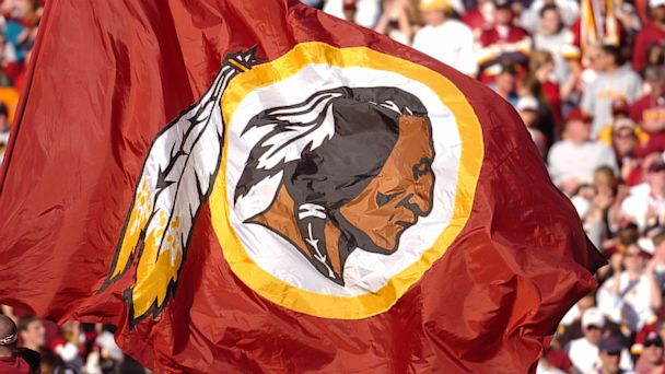 PHOTO: The Washington Redskins flag