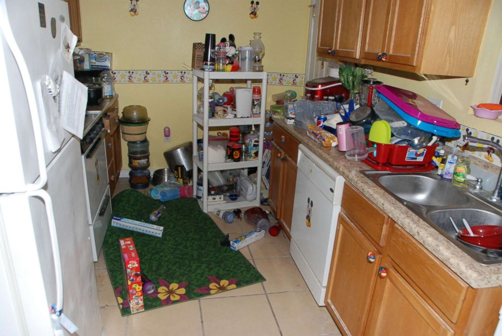 PHOTO: The kitchen in Dee Dee and Gypsy Blanchards Missouri home is pictured here.