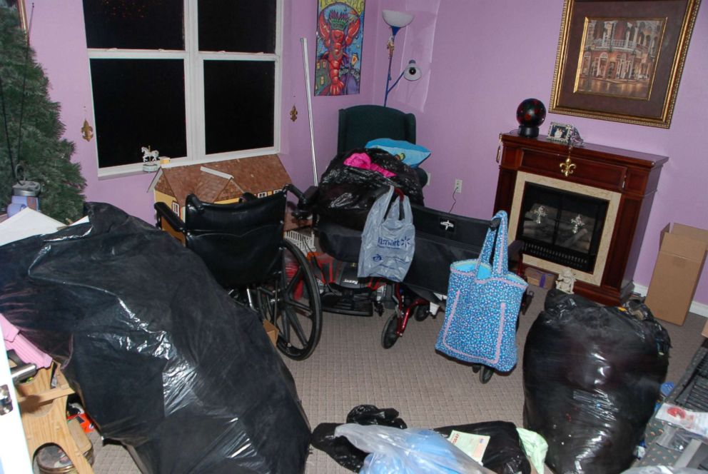 PHOTO: Gypsy and Dee Dee Blanchards pink home, including this living room, was built for them by Habitat for Humanity.