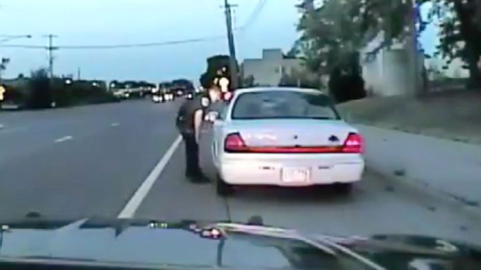 http://a.abcnews.com/images/US/HT-castile-dash-cam-video-01-jef-170620_16x9_992.jpg