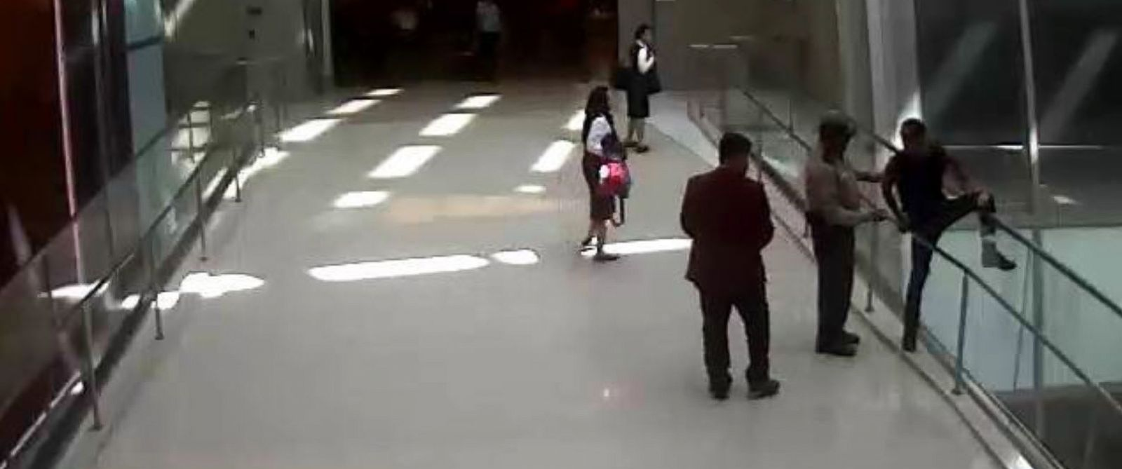PHOTO: John Solis, a Los Angeles International Airport security officer, prevented a 25-year-old man from jumping from a pedestrian bridge in the airport.