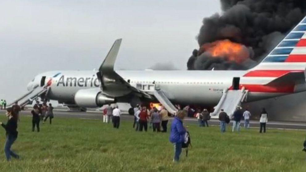 http://a.abcnews.com/images/US/HT-plane-fire-1-jt-161028_16x9_992.jpg