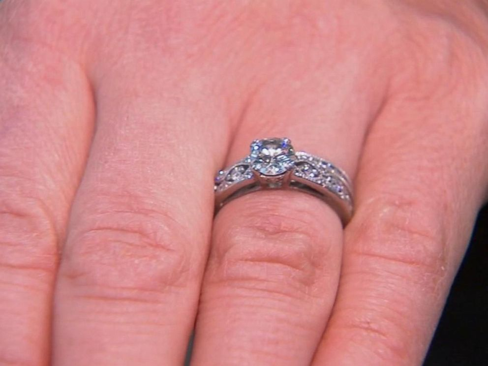 PHOTO: A Manhattan woman who accidentally trashed her wedding and engagement rings recovered them days later with the help of the New York City Sanitation Department.